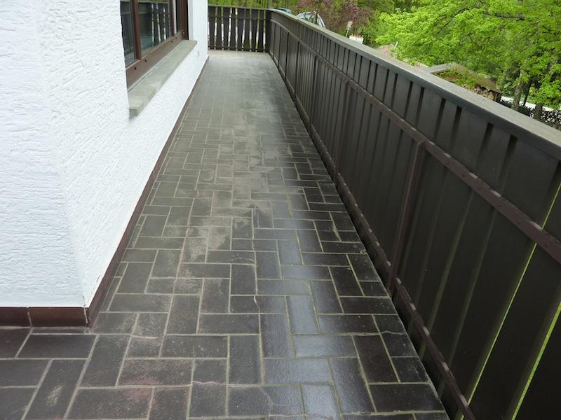 97084-wuerzburg-steigerwaldstrasse-balkon-terrasse-sanierung-abdichtung-wagner-steinteppich-02.jpg